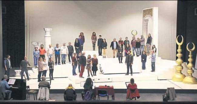 'Saraydan Kız Kaçırma' sahnede