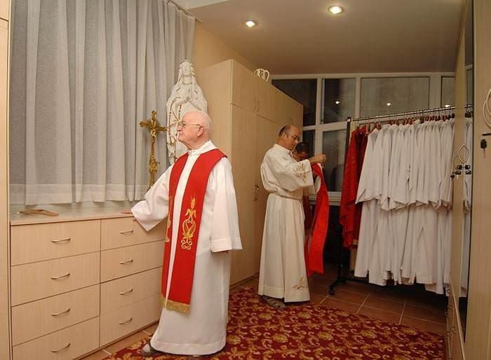 Sent Antuan rahipleriyle bir gün