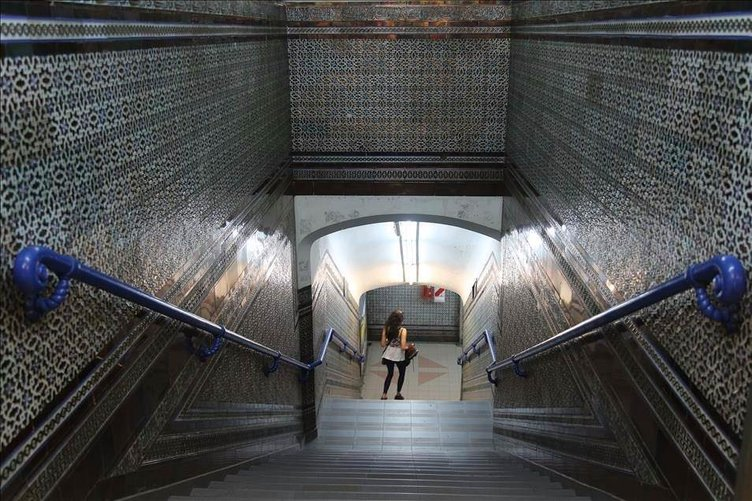 Arjantin metrolarında Endülüs Sanatı