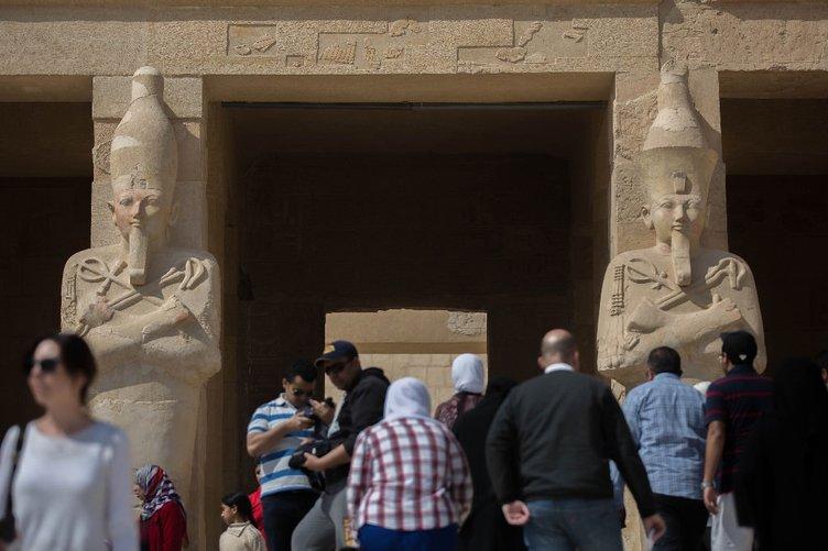 Kadın firavun Hatşepsut'un tapınağı ilgi çekiyor
