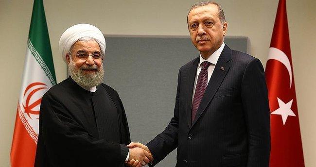 Erdoğan İran Cumhurbaşkanı Ruhani ile görüştü