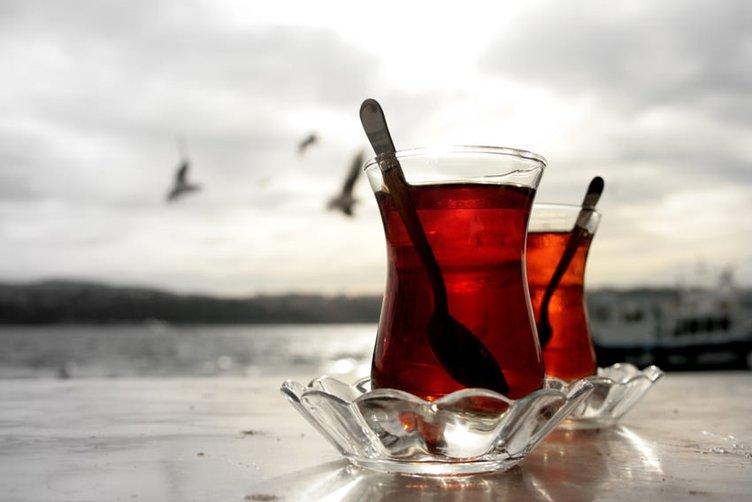 Uzmanlar bile inanamadı! Sıcak çay ile elinizi...