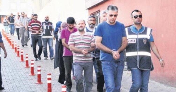 İstanbul'da 'gaybubet evleri'ne ByLock baskını: 57 gözalt ı