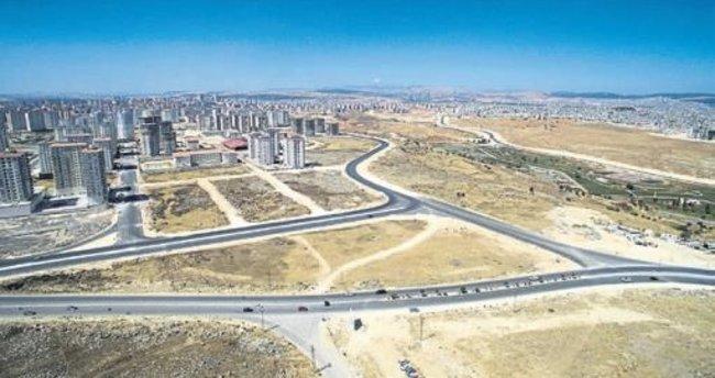 Büyükşehir'den Karataş'a yol