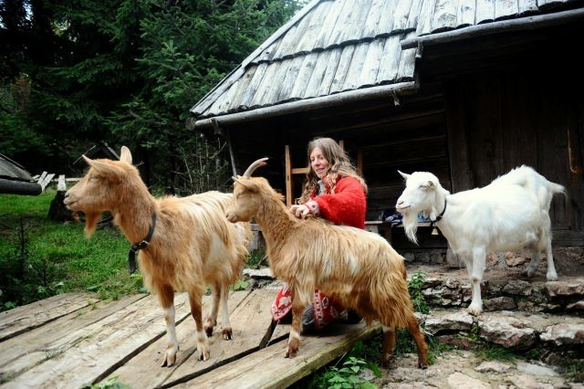 Dağ evlerinde Dünyayı misafir ediyorlar