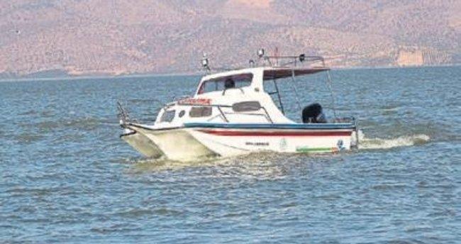 Kaçak avcılara tekneli takip