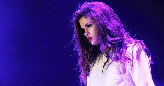 Selena Gomez, İnstagram'ın kraliçesi oldu