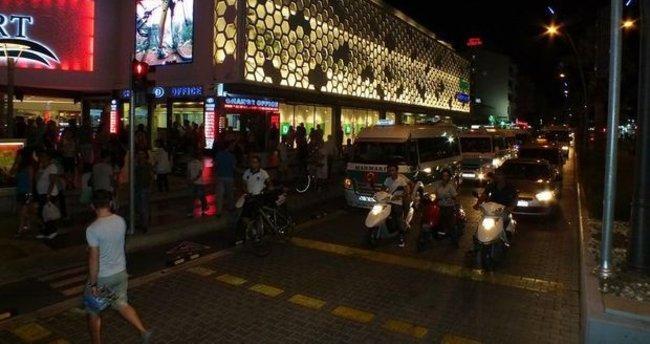 Marmaris'te yol verme kavgası: 2 yaralı