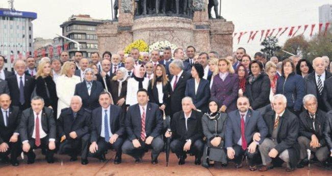 Şehit muhtar Taksim'de anıldı