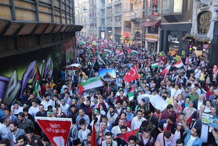 Mavi Marmara saldırısının 6. yıldönümünde Beyoğlun'da yürüyüş