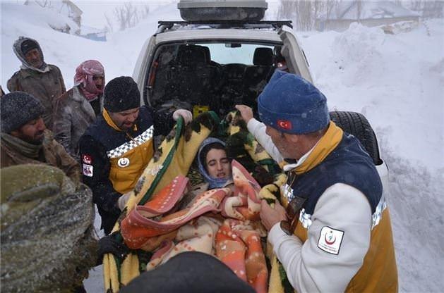 Hakkari'de hasta kurtarma operasyonu