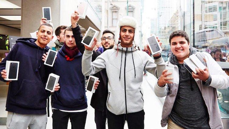 iPhone 7 ve 7 Plus satışa sunuldu
