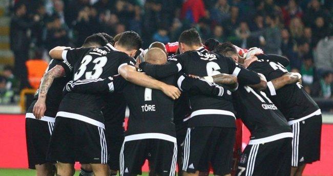 Napoli Beşiktaş maçının geniş özeti ve gollerini izle (Şampiyonlar Ligi)