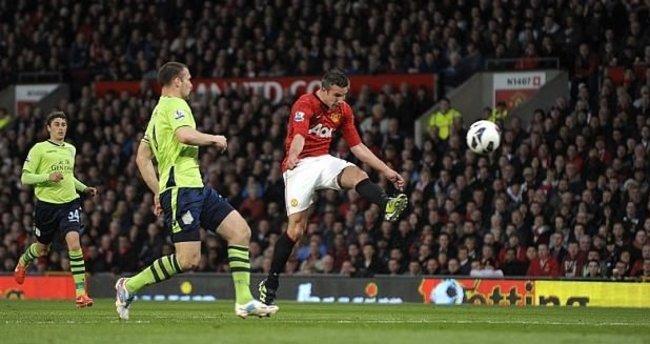 Premier Lig'in en güzel golü Van Persie'den