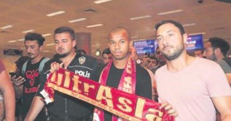 Yeni reis Mariano İstanbul'a geldi