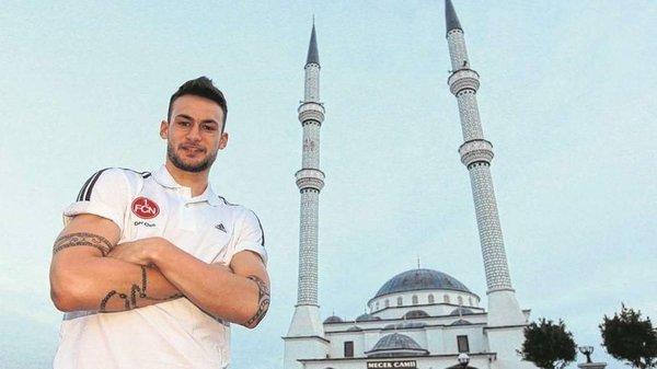 Alman futbolcu Müslüman oldu