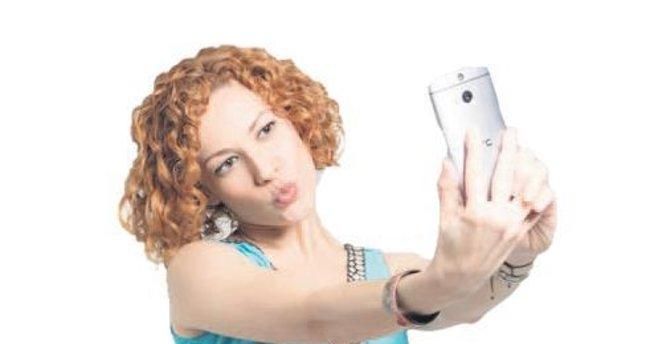 Sosyal medya kurdu Açelya