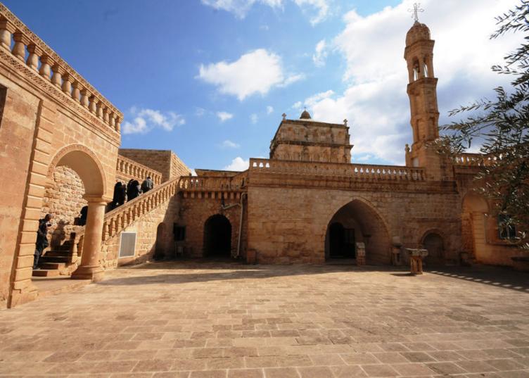 Midyat'ın tarihi Anıtlı köyü keşfedilmeyi bekliyor