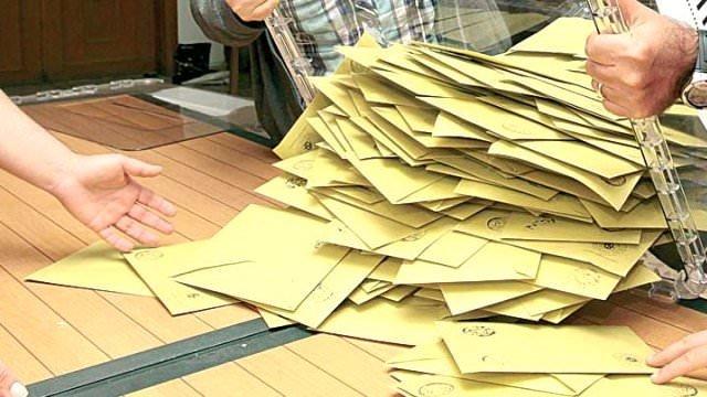 AK Parti yüzde 44'e yükseldi