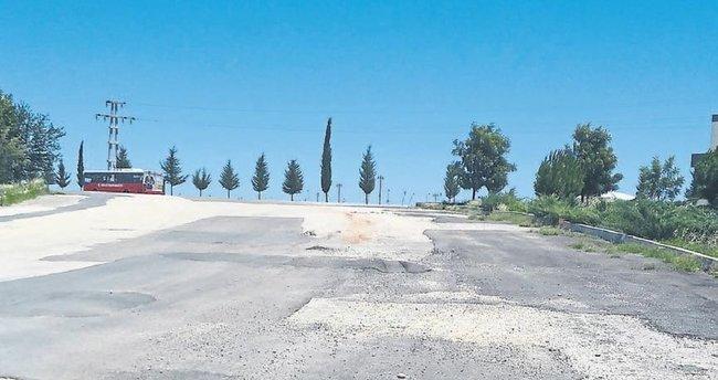 Adana'nın yolları vurgun yeri oldu