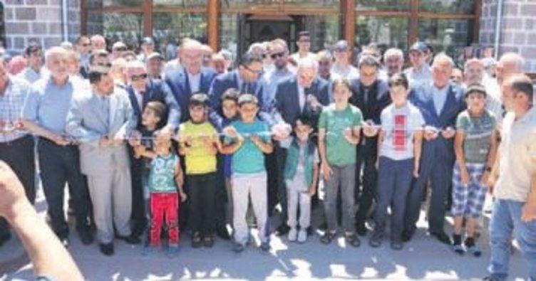 Hacı Bektaş-ı Veli Camii ibadete açıldı