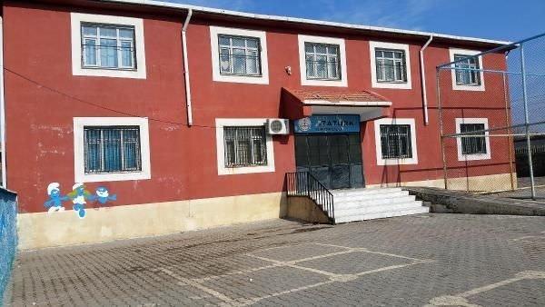 İçinde öğrenciler bulunduğu sırada 8 okul ve 1 yurda saldırdılar!