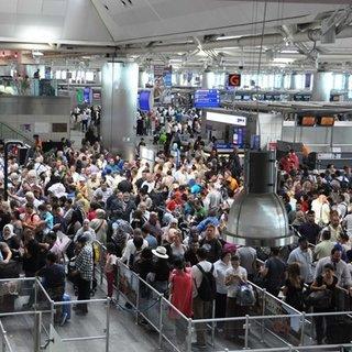 Atatürk Havalimanı'nda tatil yoğunluğu başladı