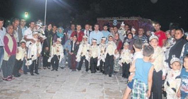 Şarkikaraağaç'ta toplu sünnet şöleni