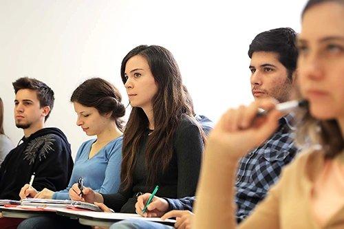 Medya Derneği ve Üniversite Medya Birliği gençlerin dijital alışkanlıklarını ölçtü