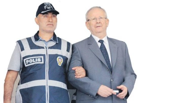 Darbeci komutanları kaçırma oyununu polis bozdu