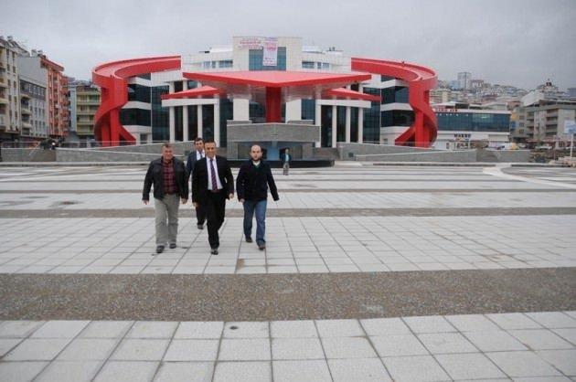 Türkiye'nin en büyük ay yıldızlı kamu binası