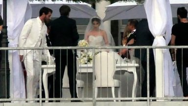Sıla sürpriz bir nikahla evlendi!