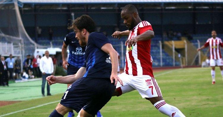 Adana Demirspor'la berabere kalan Sivasspor Süper Lig'de