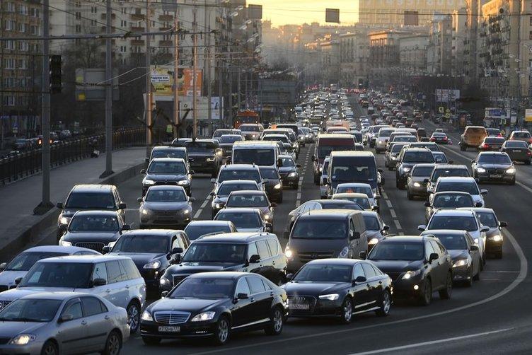 Moskova'da trafik yoğunluğu