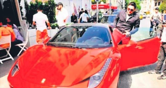 Hacı Sabancı, Ferrari'si ile baba ve kızına çarptı