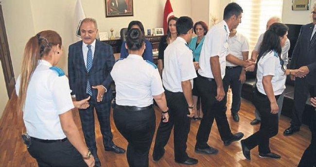 Başkan Kara belediye personeliyle bayramlaştı