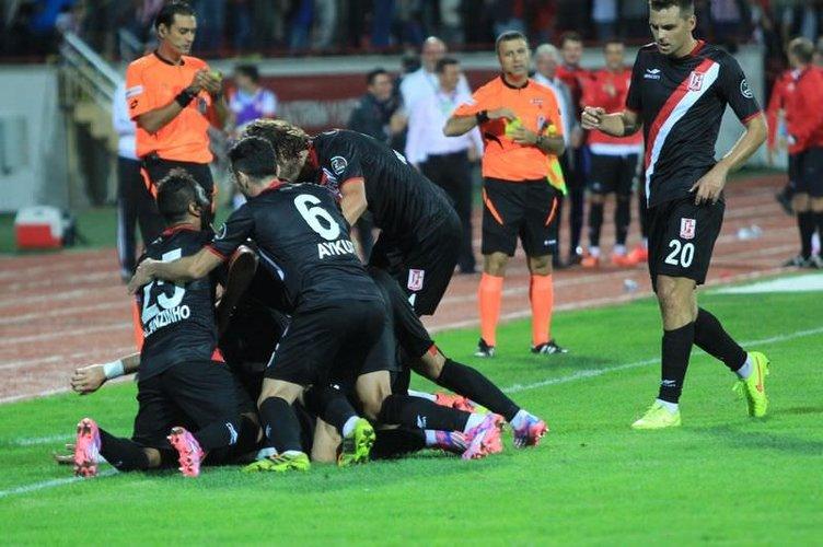 Balıkesirspor - Galatasaray maçının fotoğrafları