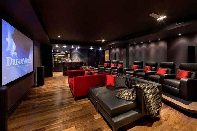 Evde sinema salonu