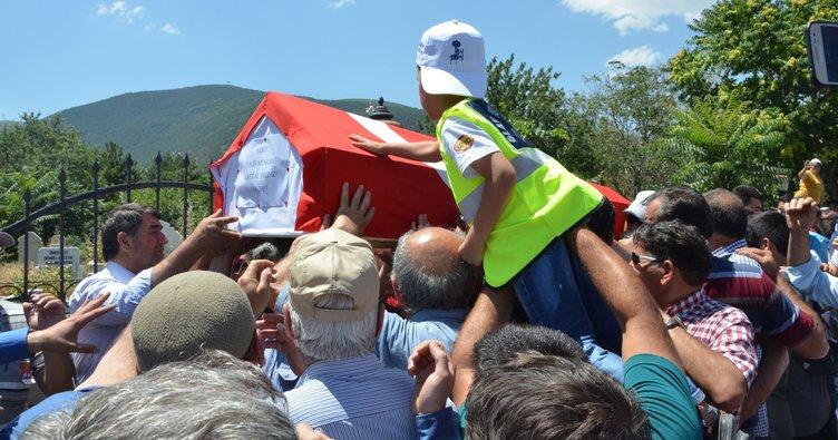 Tuzla'da şehit düşen polis memuru, Akşehir'de toprağa verildi