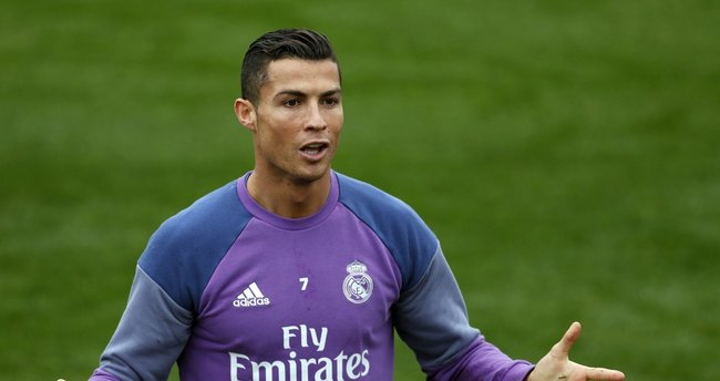 Cristiano Ronaldo'nun aşk kaçamağı