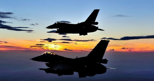 Irak, ABD'den 4 F-16 daha teslim aldı