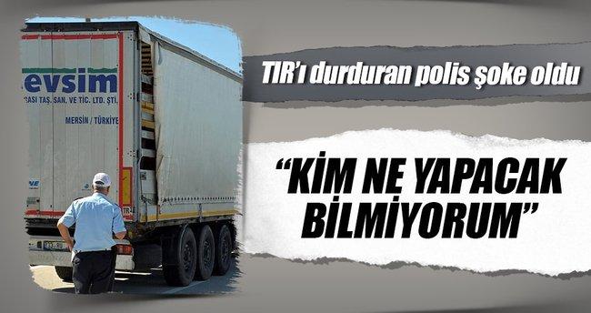 Adana'da yol kontrolünde durdurulan TIR'dan 35 tane at çıktı