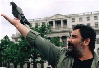 Mecburen yayınlanan Ahmet Kaya görüntüleri