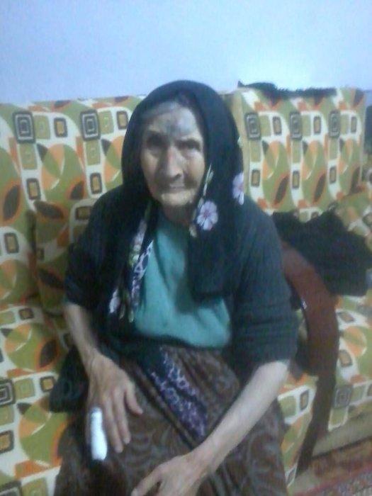 89 yaşındaki kadın parmağı kırılarak gasbedildi