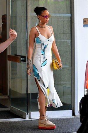 Rihanna yine büyüledi!
