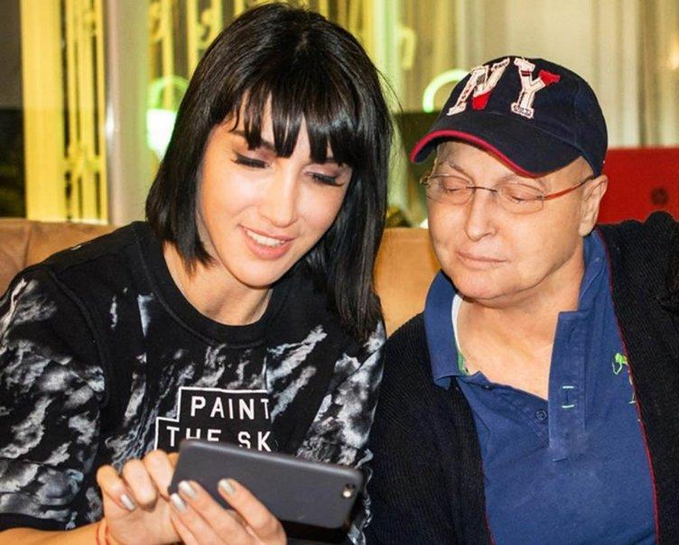 Söz yazarı, besteci ve yorumcu Naşide Göktürk kansere yenik düştü
