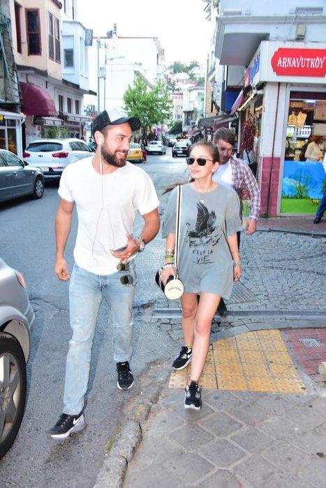 Neslihan Atagül'den Kadir Doğulu'ya romantik sürpriz