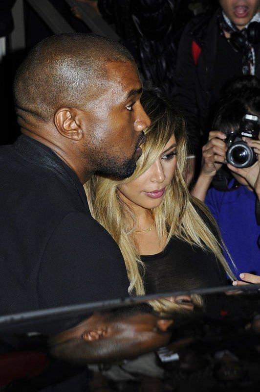 Kim Kardashian dayanamadı transparan giydi