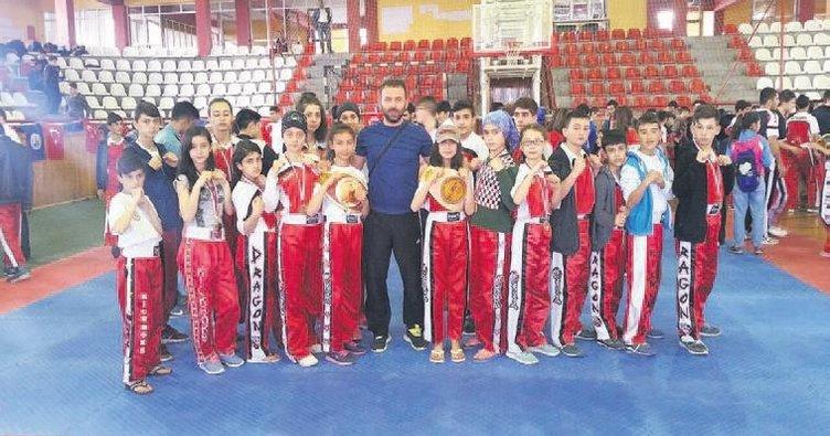 Kick Boks Turnuvası'na Konya damga vurdu