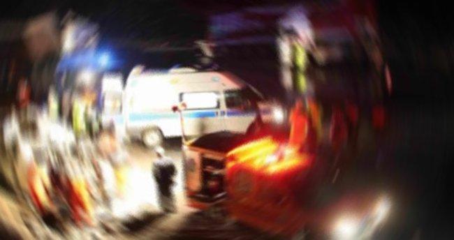 Eskişehir'de yolcu otobüsü tıra çarptı